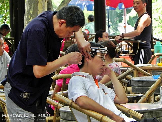 Curiosidades China limpiadores de orejas