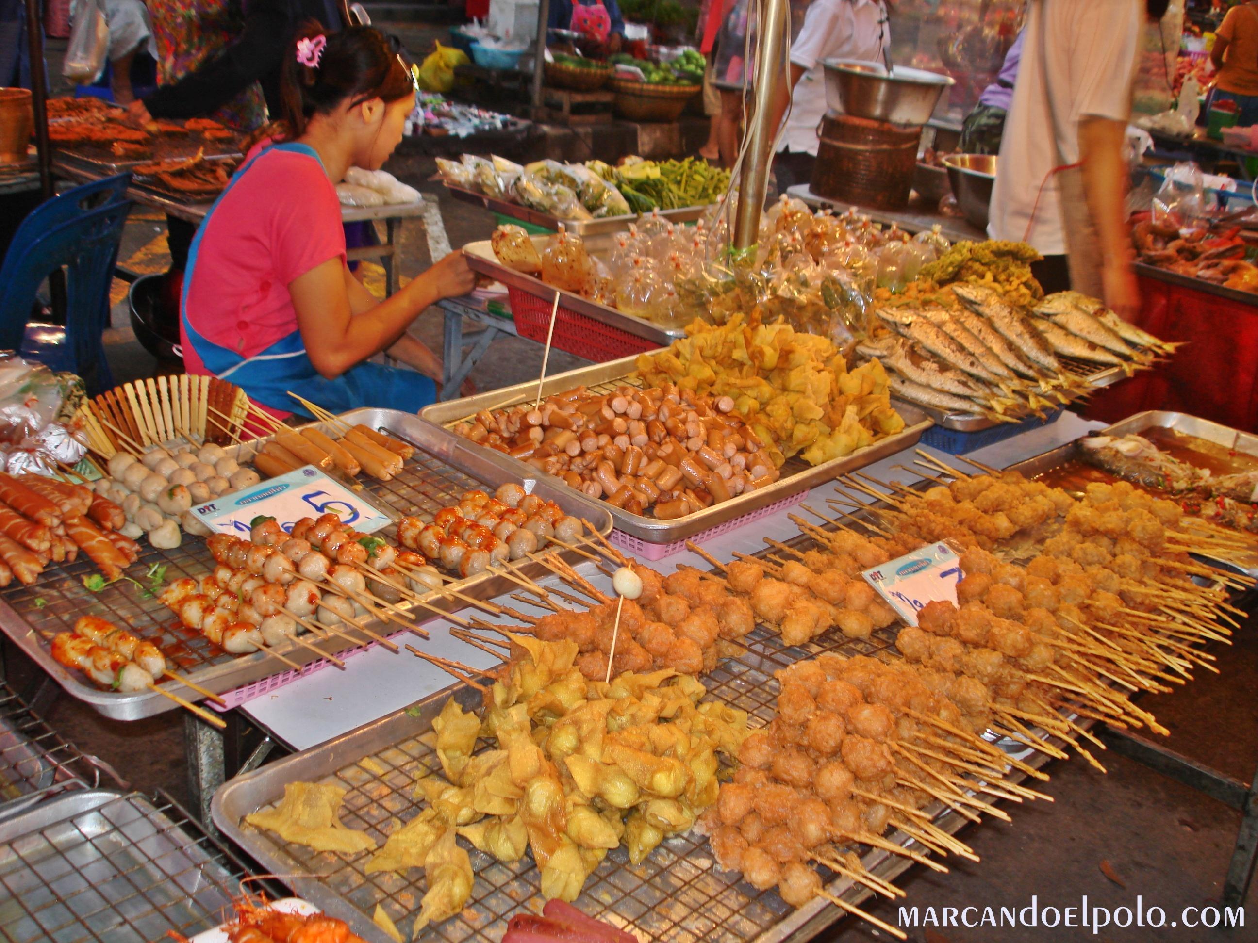 Viajar barato por Asia: comer en los mercados