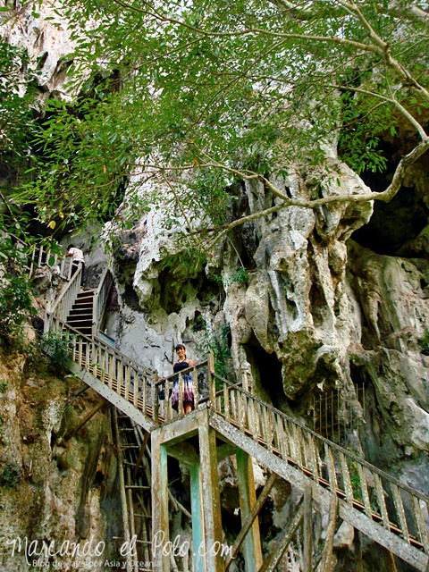 Entrando a la Cueva Pathok