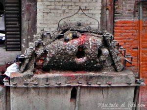 Viajar a Katmandu - Dios del dolor de muelas