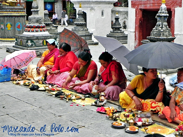 Viajar a Katmandu - ofrendas