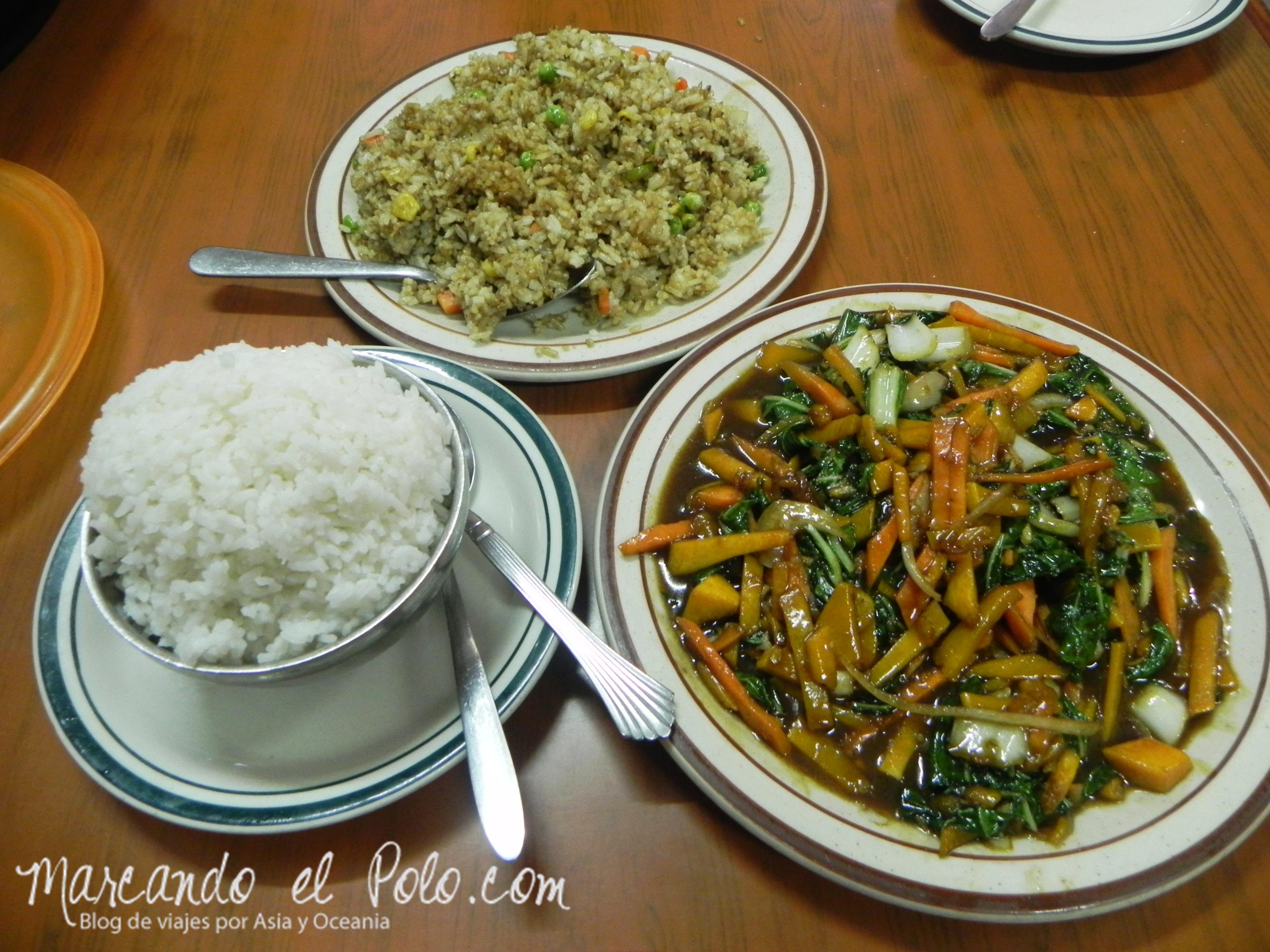 Presupuesto para viajar a Fiyi: Fried rice y chop suey