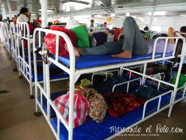 Islas Cuyo, Filipinas: interior del Milagrosa