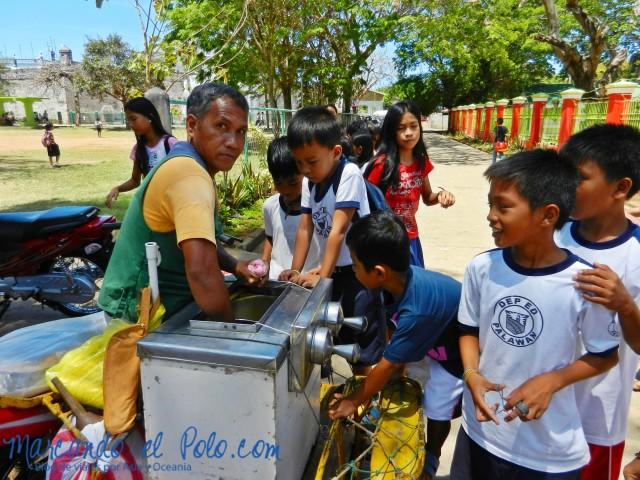 Islas Cuyo, Filipinas: salida de la escuela