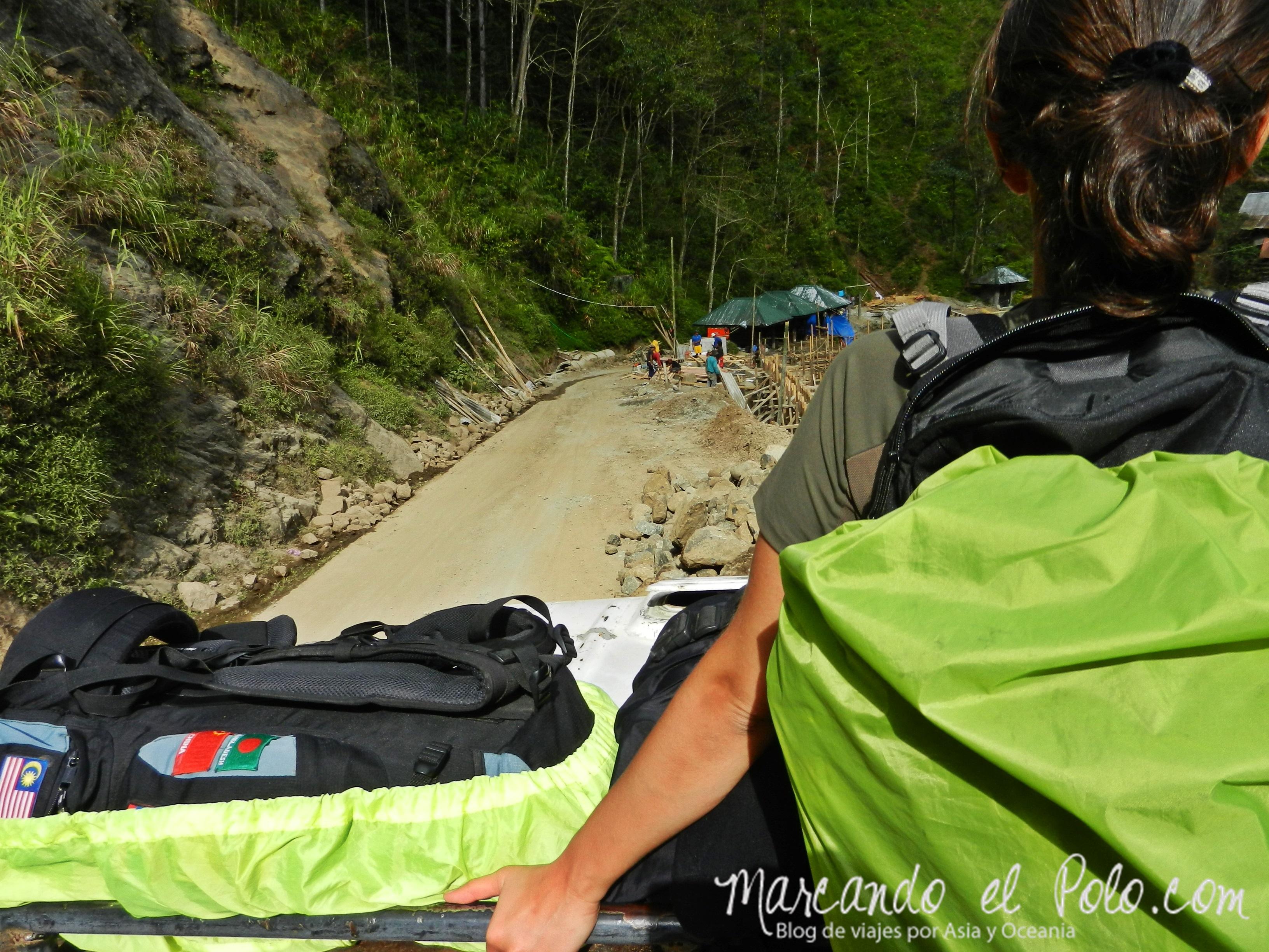 Viajar a dedo en Filipinas: en el techo del camión