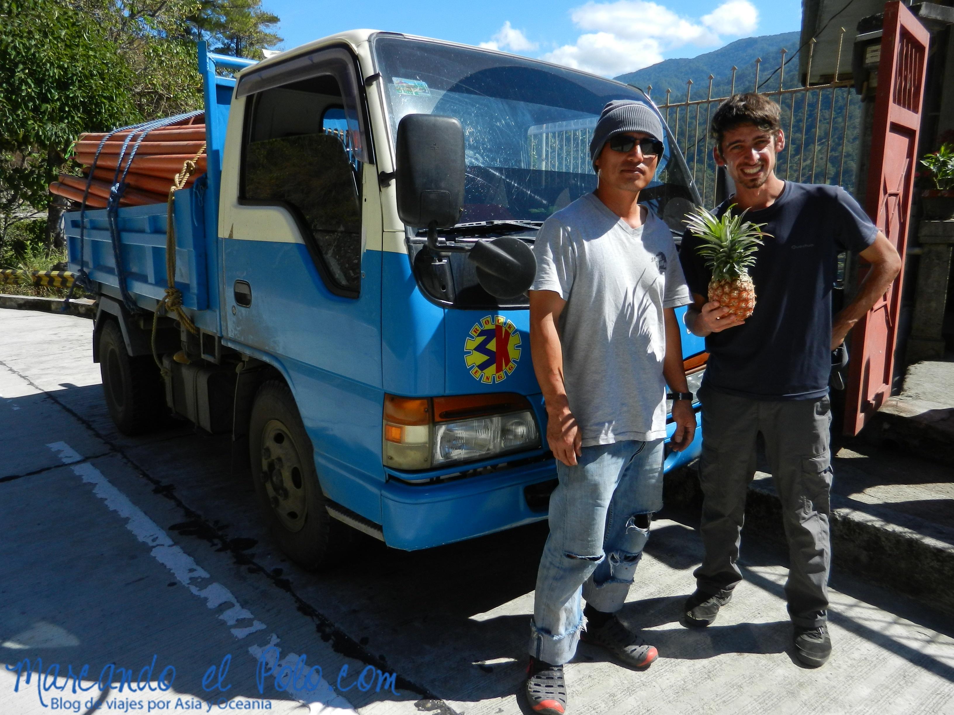 Viajar a dedo en Filipinas: nos regalan comida