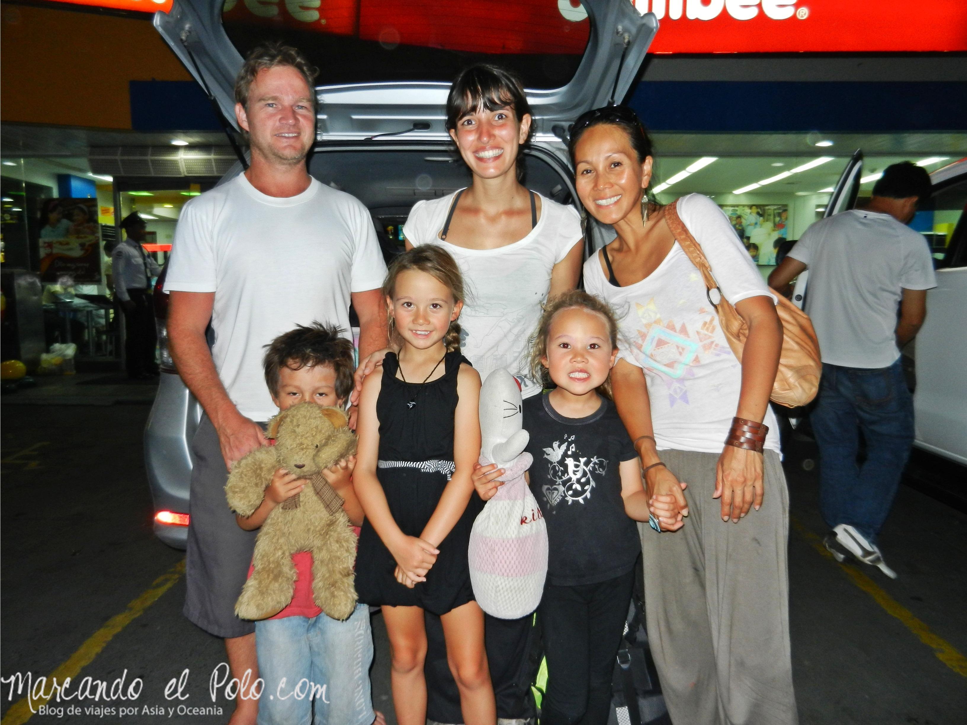 Viajar a dedo en Filipinas: Familia australiana