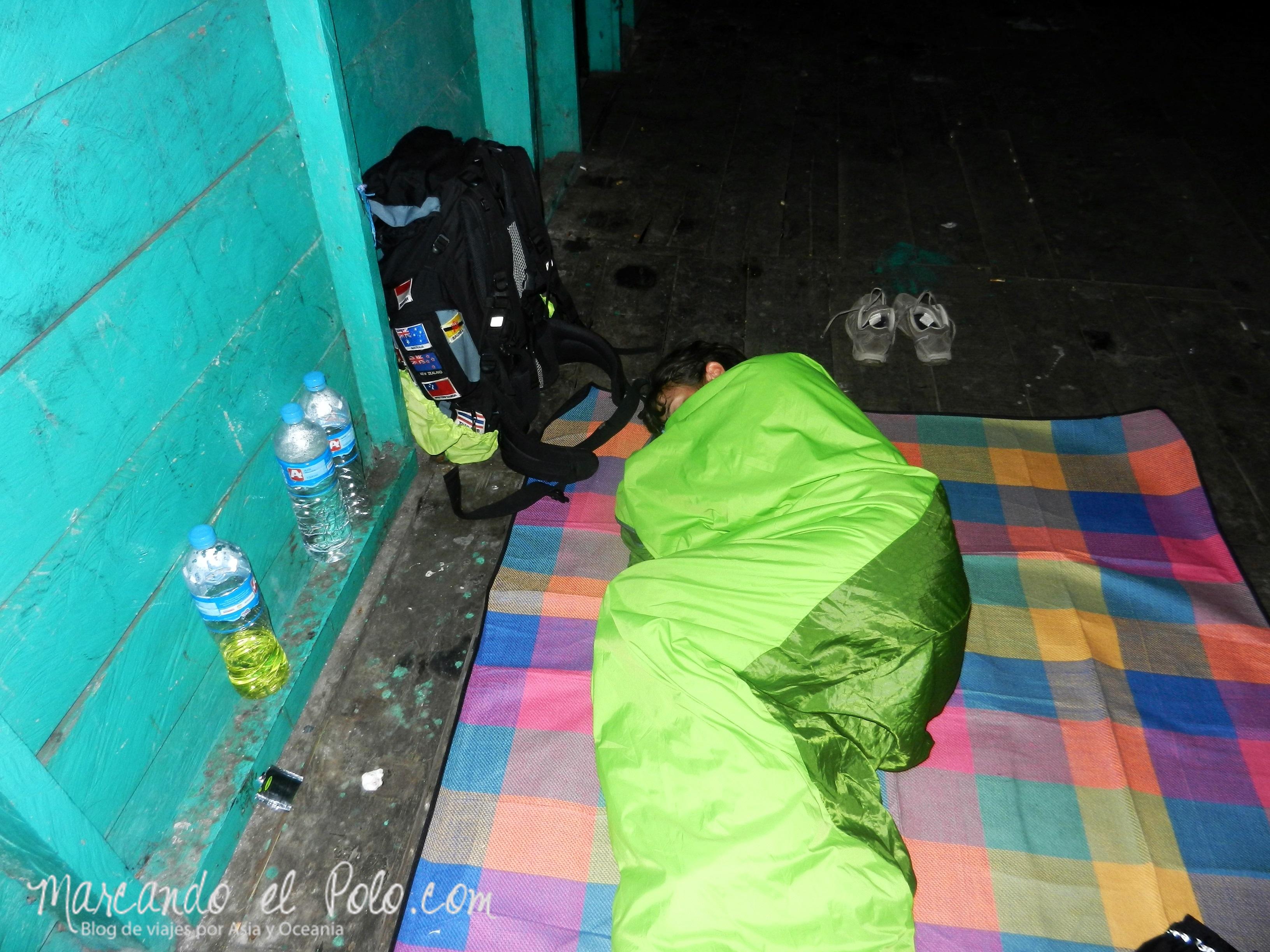 Descansando en el refugio, Kawah Ijen