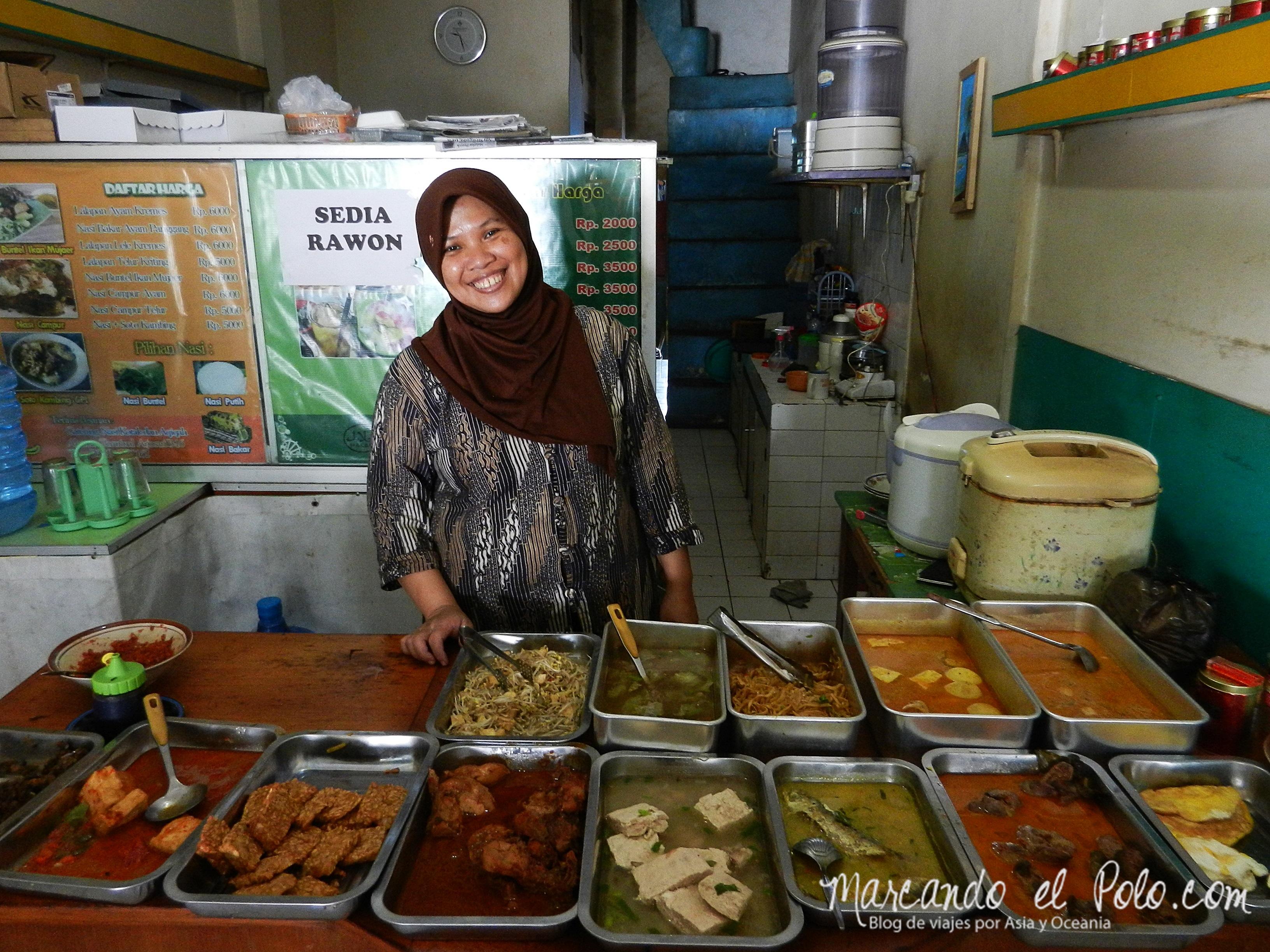 Clásico warung en Java, Comida en Indonesia