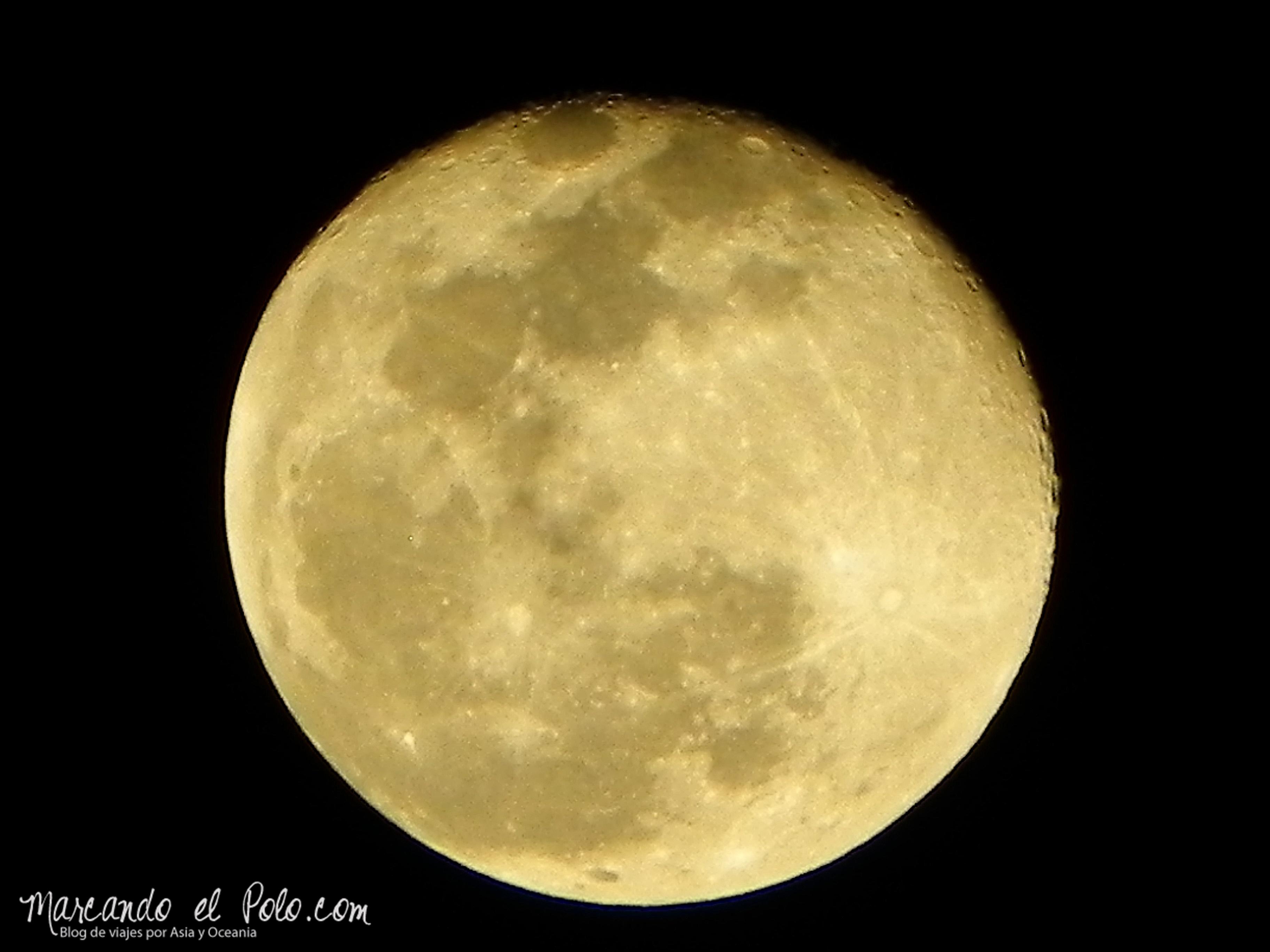Singapur nos regaló una de las lunas más lindas que hayamos visto jamás...