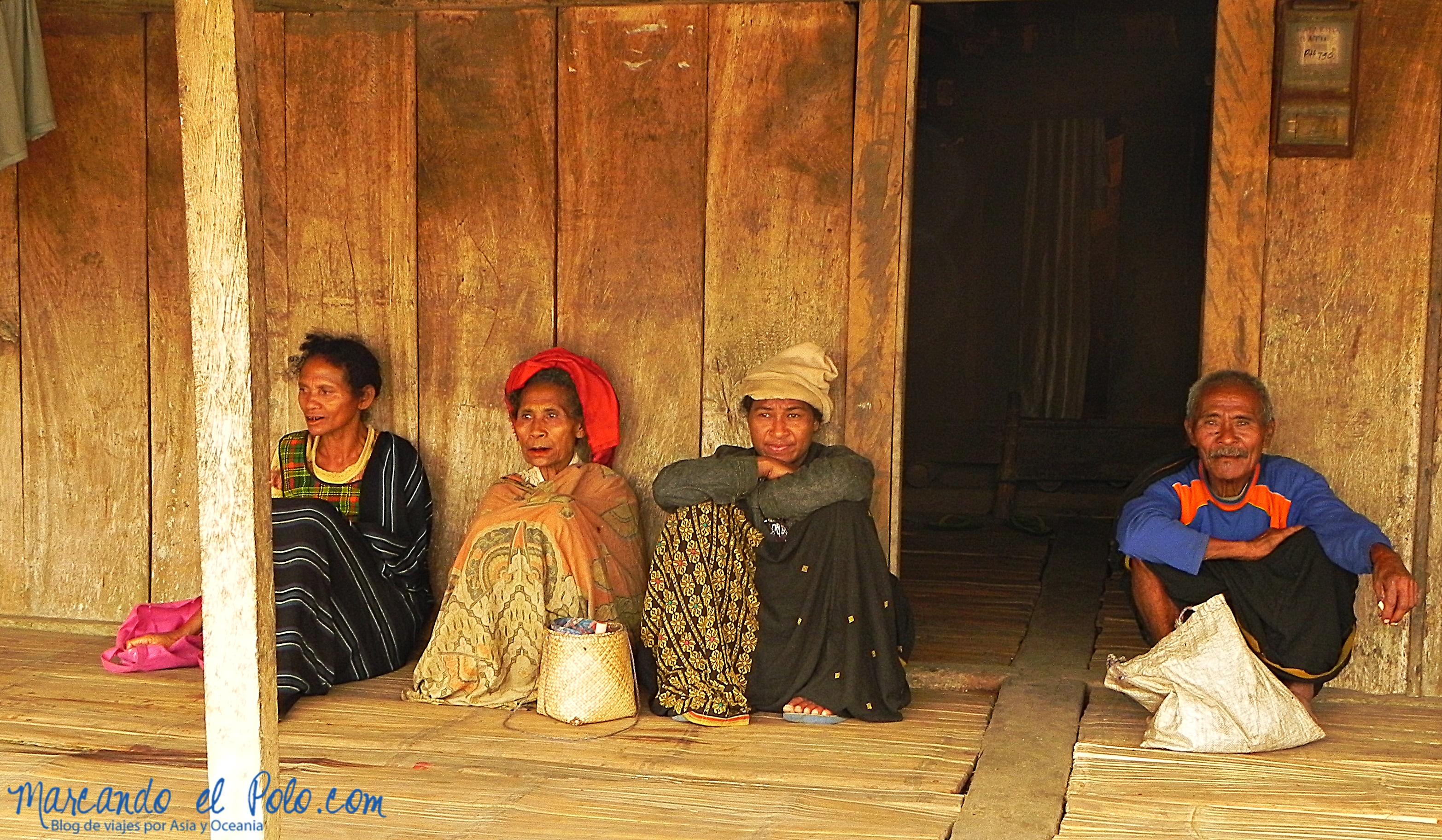 Viajar a Indonesia - aldea tradicional Bajawa, Flores