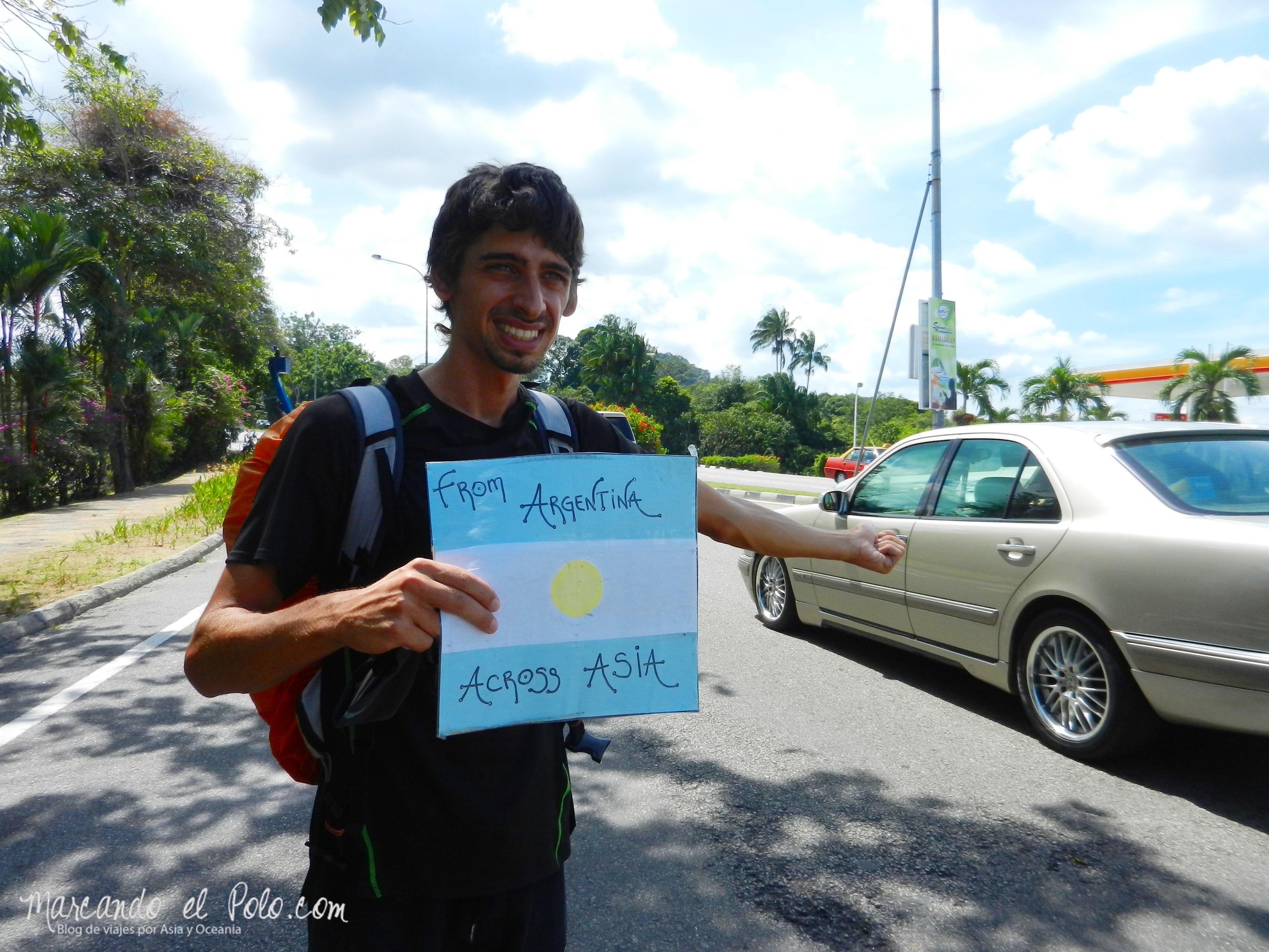 Viajar a dedo por Malasia