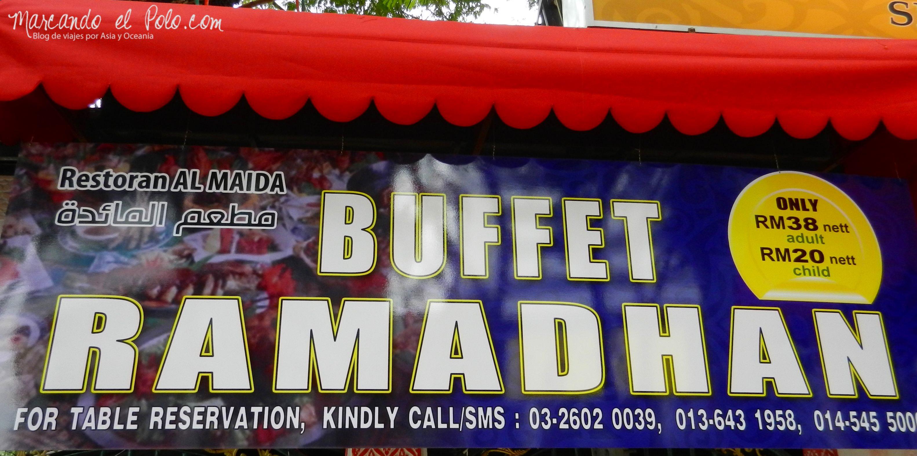Durante Ramadán los restaurantes preparan un buffet de comida tradicional