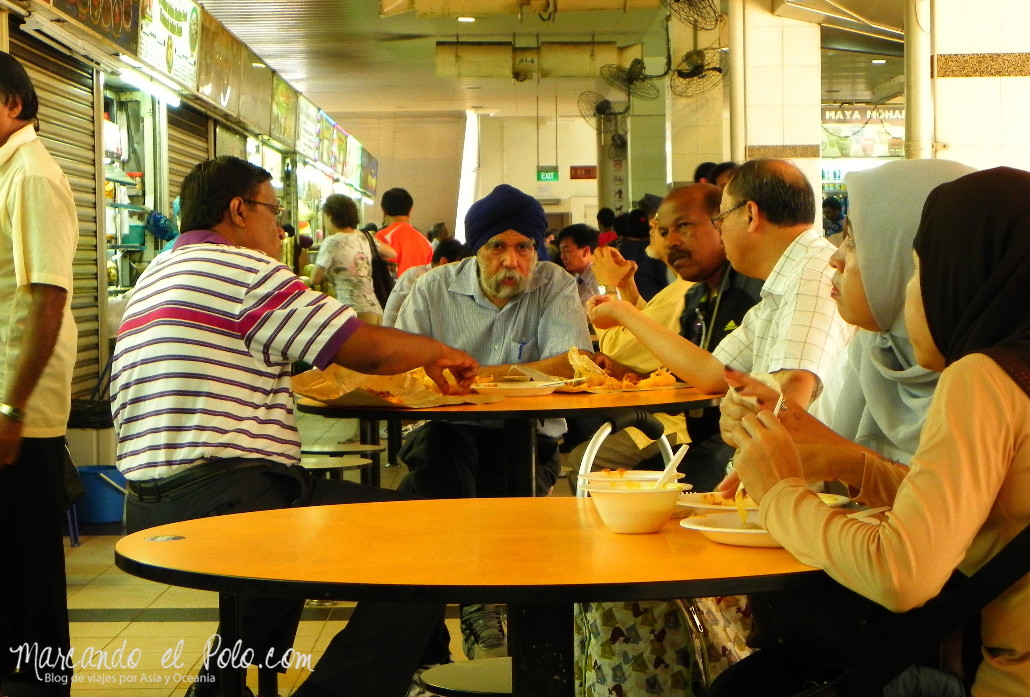 Indios, chinos y malayos bajo un mismo techo