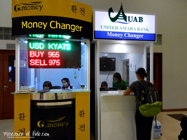 Viajar a Myanmar - cambiar plata en el aeropuerto