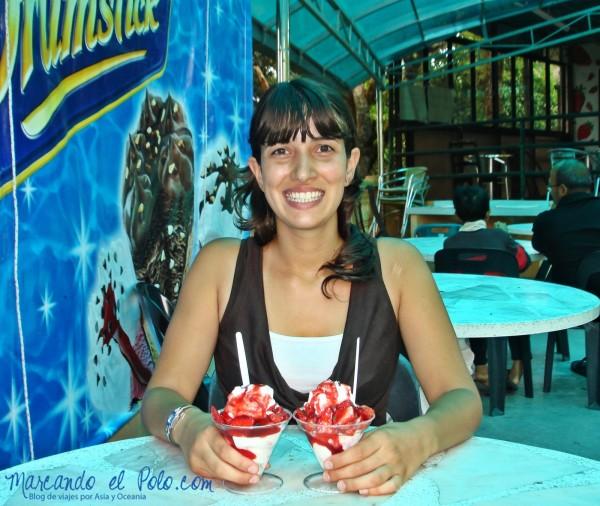 Itinerario viajar a Malasia: frutillas con crema y helado en Cameron Highlands
