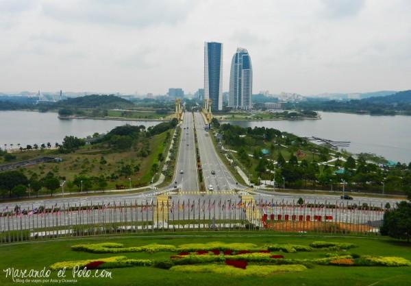 Itinerario viajar a Malasia: Vistas de Putrajaya desde Perdana Putra