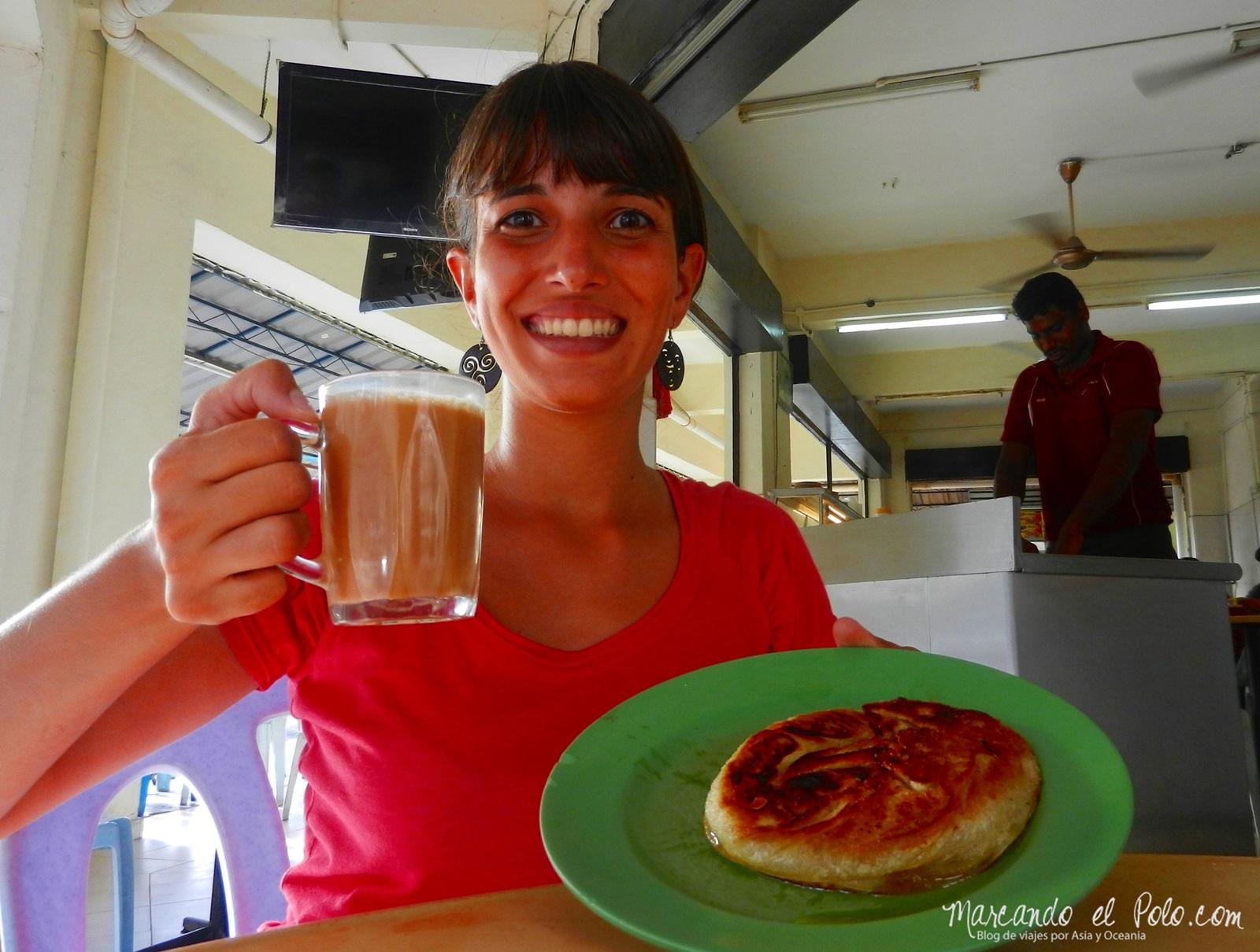 Roti boom + teh tarik = desayuno perfecto en Malasia
