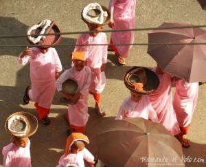 Itinerario para viajar a Myanmar: monjas budistas en Bago