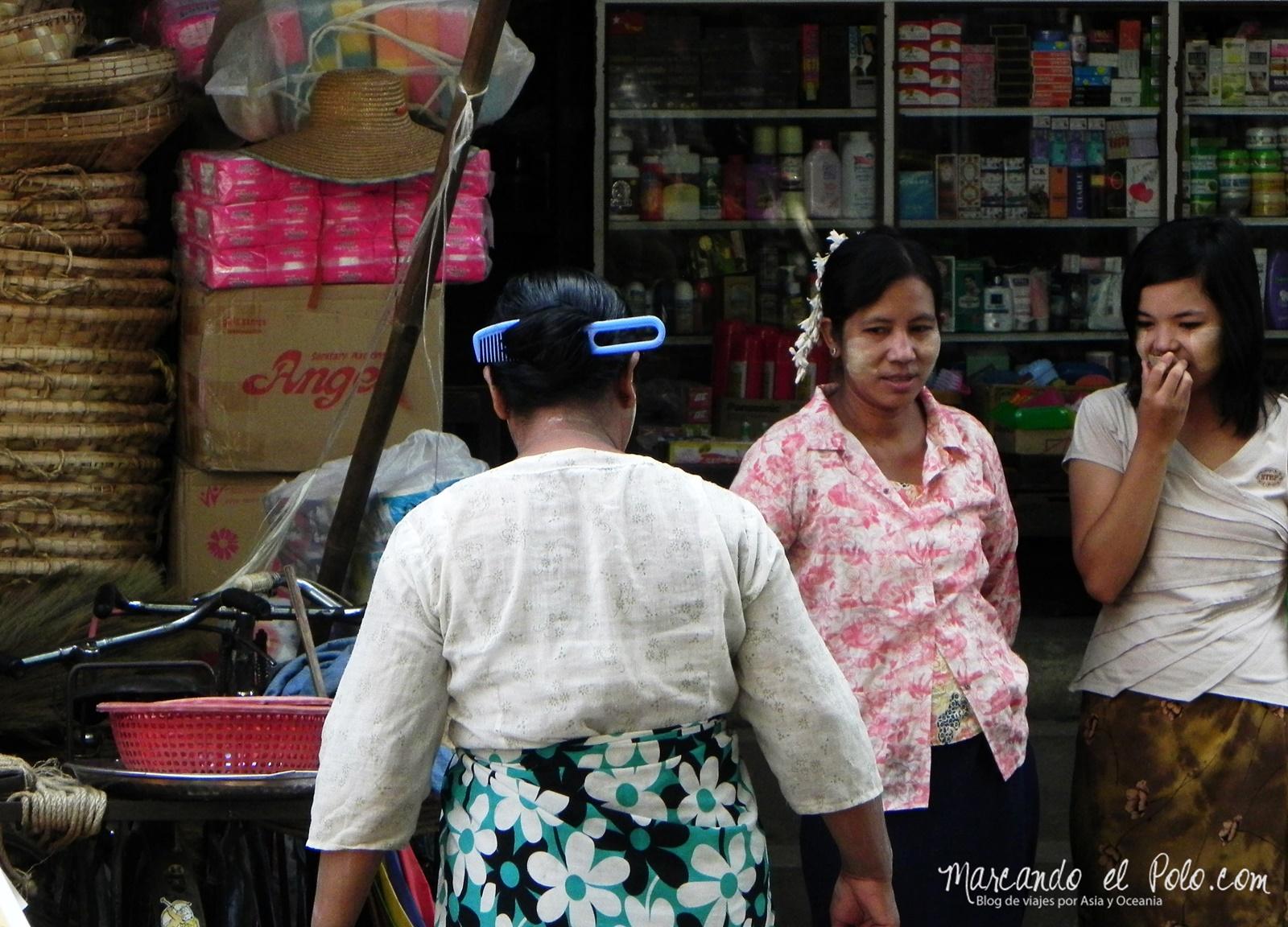 Peine en la cabeza - Curiosidades Myanmar