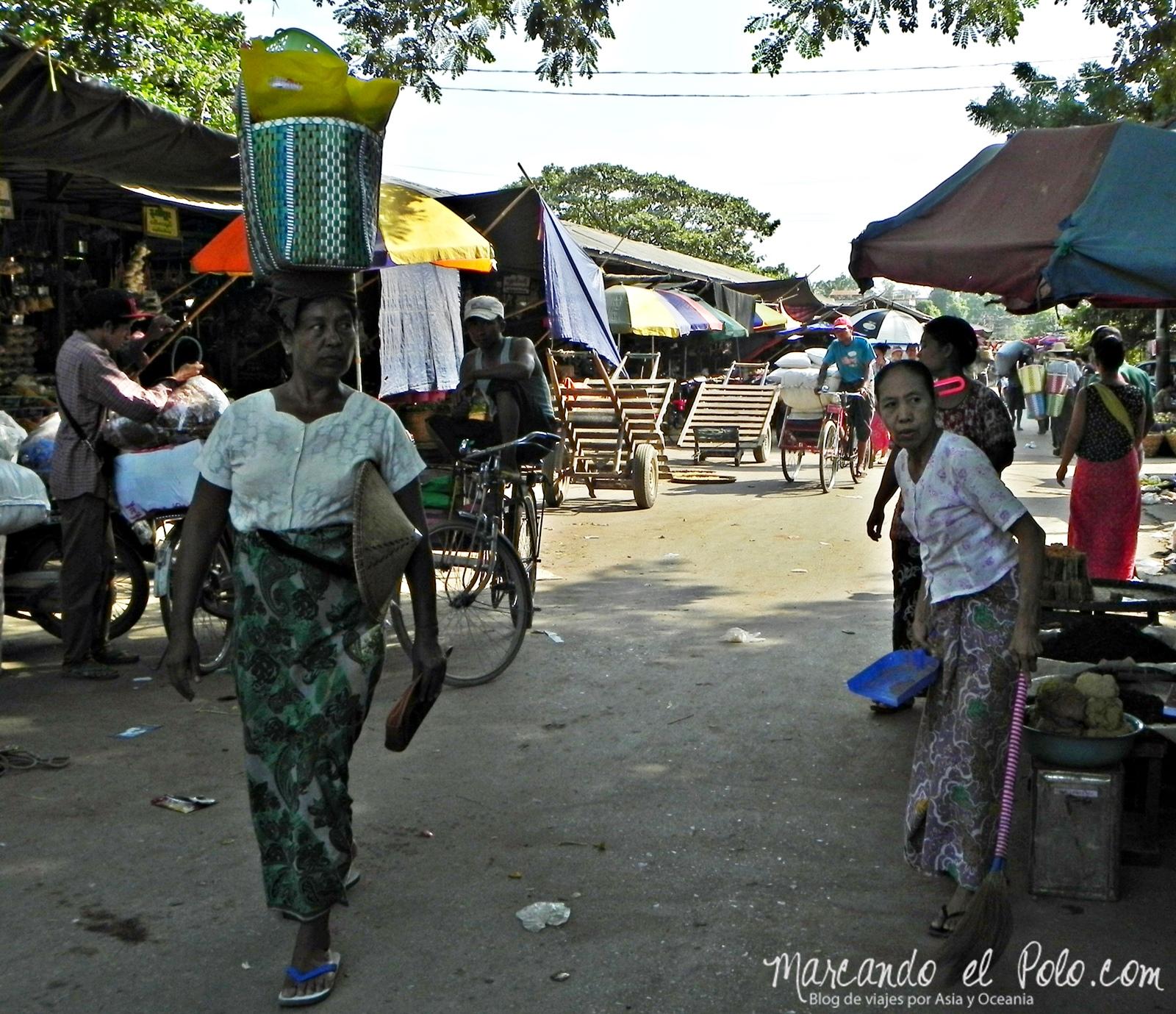 Transportando en la cabeza - Curiosidades de Myanmar