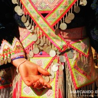 Vestimenta tradicional hmong. Laos