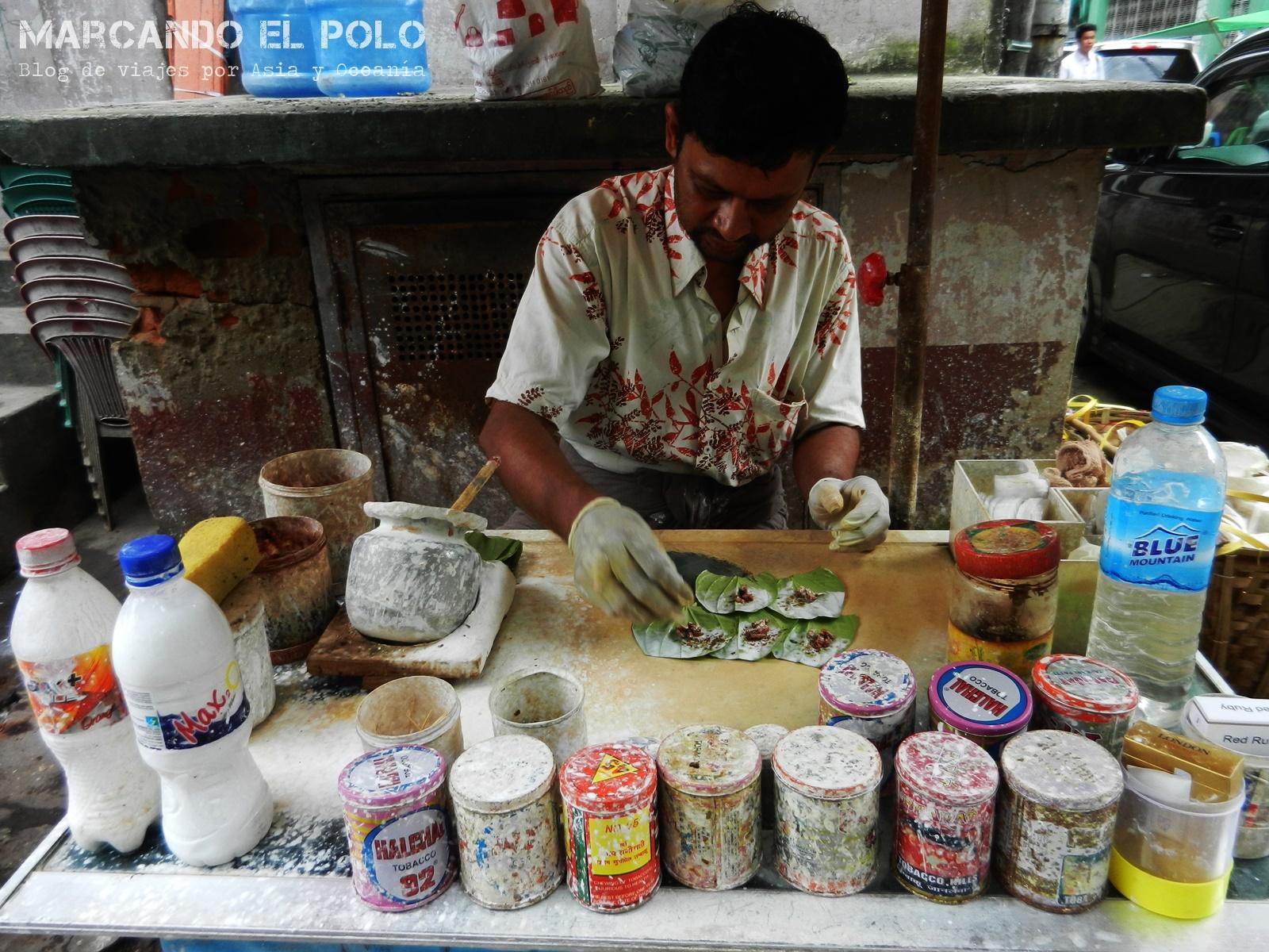 Lo que le da color a las escupidas que decoran las calles de Myanmar