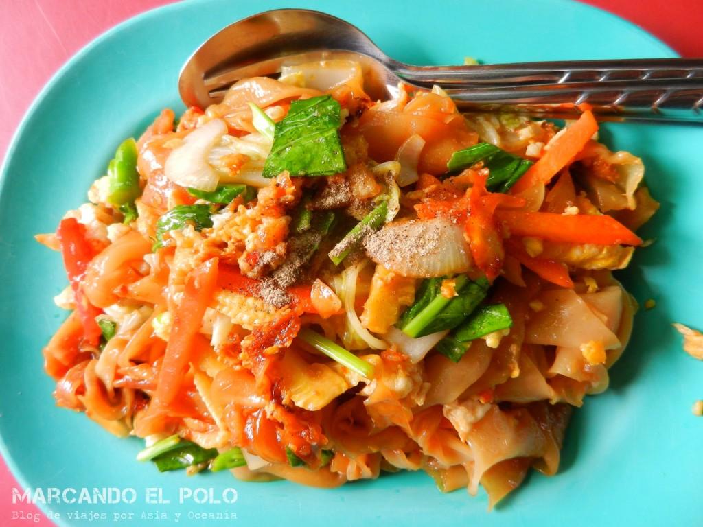 Fried noodles, comida tailandesa