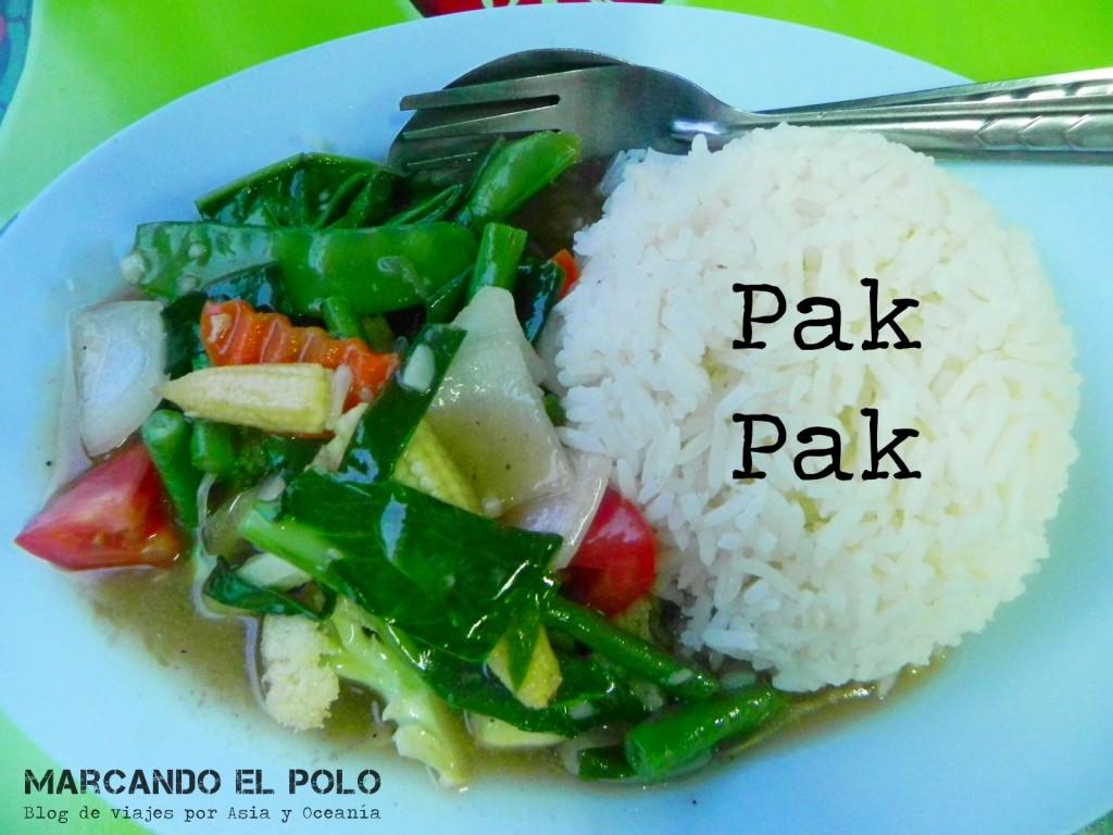 Fried vegetables (pak-pak), comida tailandesa