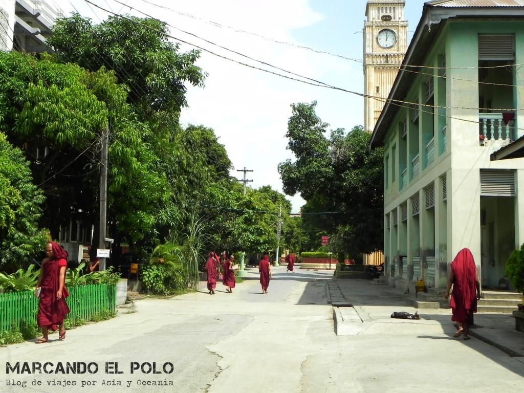 Monasterio, Mandalay