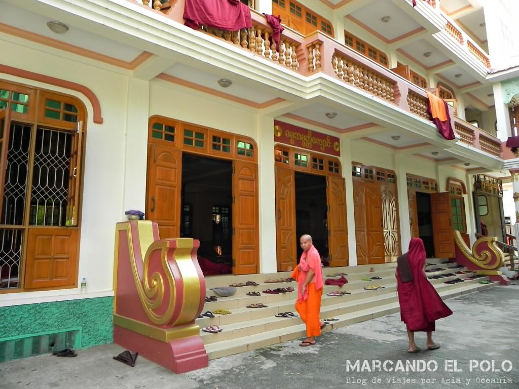 Monasterio, Mandalay, Myanmar