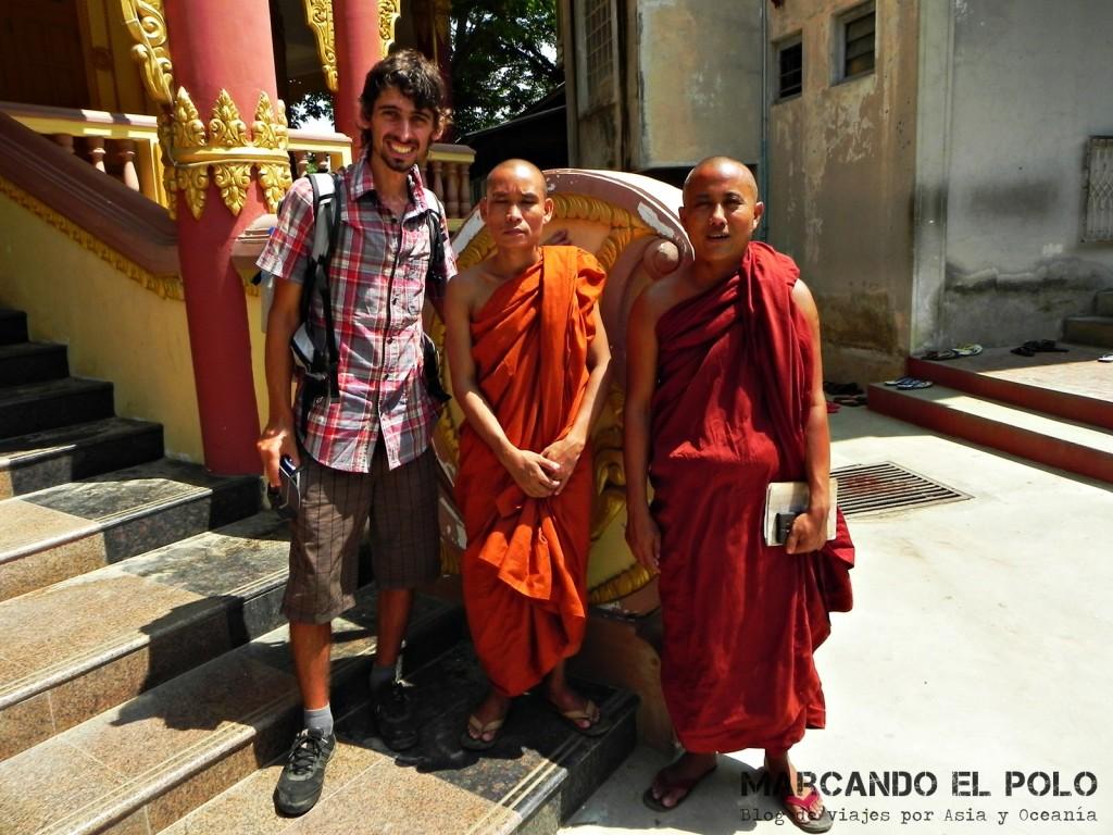Monjes en el monasterio, Mandalay 2