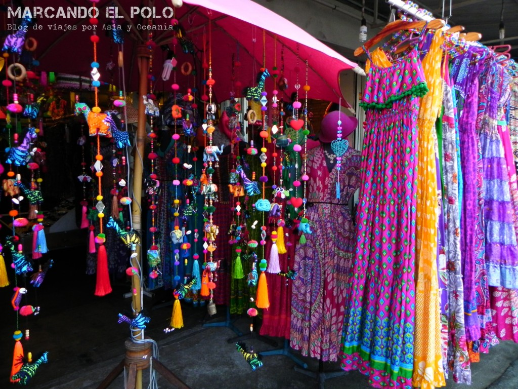 Viajar al Sudeste asiatico - Ropa y souvenires en Tailandia