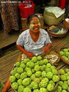 Itinerario para viajar a Myanmar: vendedora de mercado de Pyay