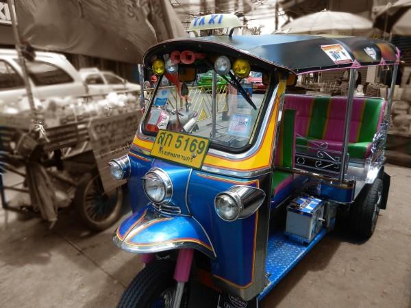 Itinerario para viajar a Tailandia: tuk tuk