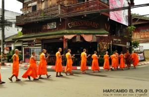 Itinerario para viajar a Tailandia: monjes en Mae Hong Son