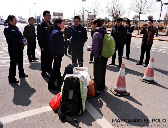 Viajar a dedo China: parador en la ruta