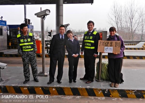 Viajar a dedo China: peaje