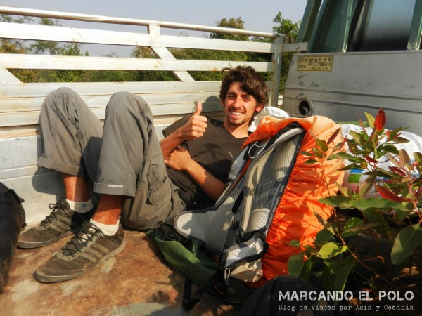 Viajar a dedo por Laos 10