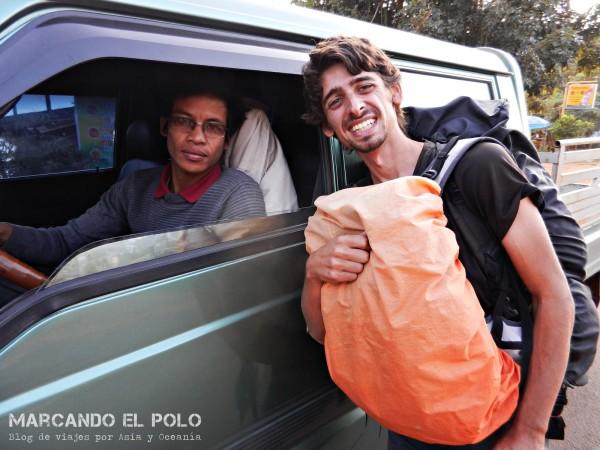Viajar a dedo por Laos 11