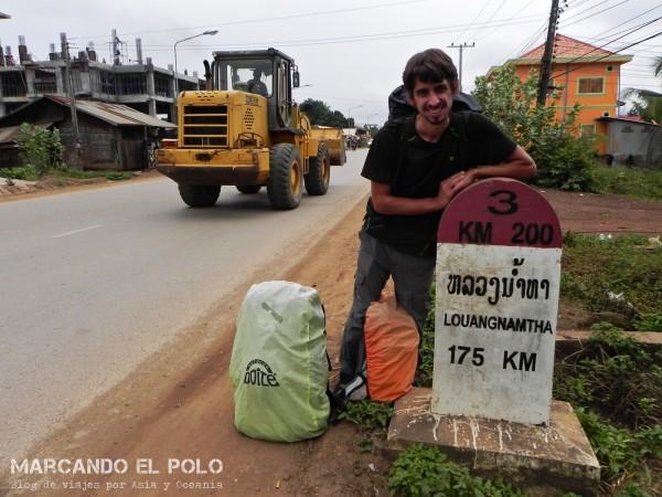 Viajar a dedo por Laos 15