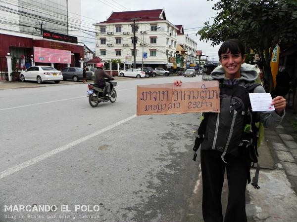 Viajar a dedo por Laos