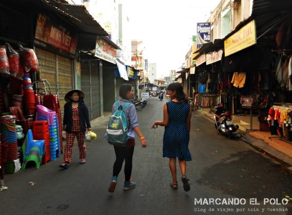 Paseando por las calles de Pleiku