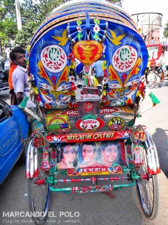 Viajar a Bangladesh - rickshaw colorido