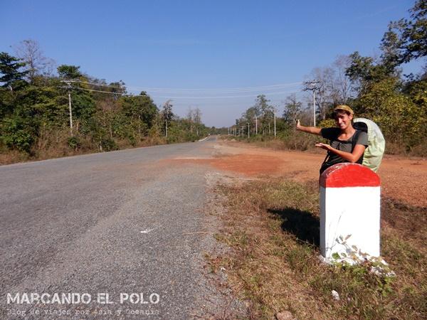 Viajar a dedo Camboya - frontera con Laos