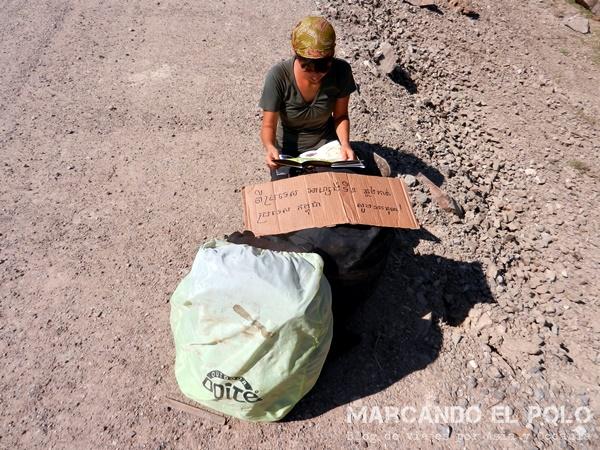 Viajar a dedo Camboya - cartel y carta