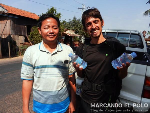 Viajar a dedo Camboya - quiénes nos levantaron 3