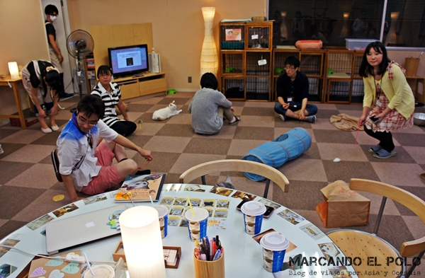 Nekorobi Cafe con gatos de Tokio