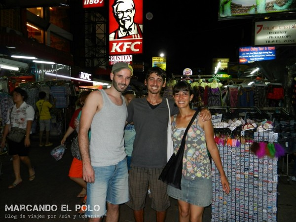 Con Pol en Bangkok.