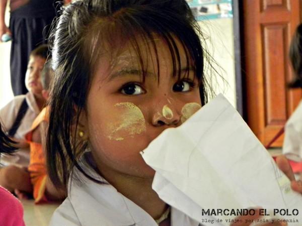 En una de las escuelas de Colabora Birmania